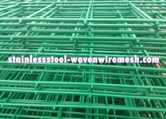 Low Carbon Steel Welded Wire Mesh Fencing Panels Curved Excellent Corrosion Resistance