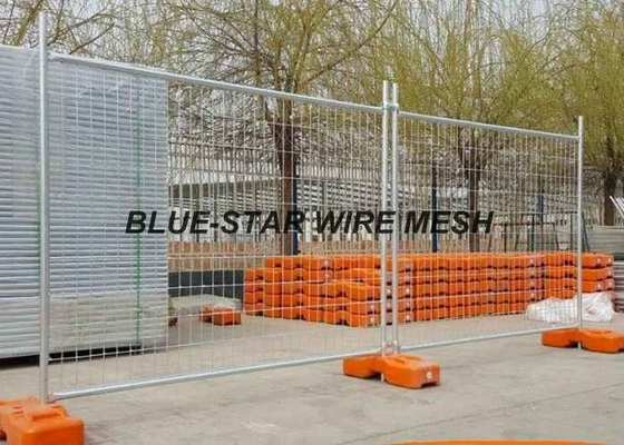 Hot Dipped Galvanized Welded Wire Fence Panels , Temporary Wire Mesh Fence Panels